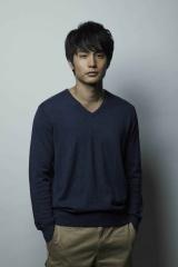 三島由紀夫の怪作『命売ります』、中村蒼主演で連続ドラマ化 BSジャパンで1月放送開始(C)「命売ります」製作委員会