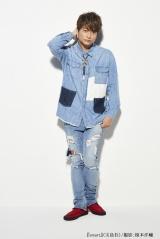 香取慎吾、独立後初の雑誌表紙に登場 ファッション観や72時間TVの舞台裏も語る