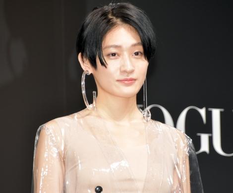 『VOGUE JAPAN Women of the Year 2017』の授賞式に出席した水曜日のカンパネラ・コムアイ (C)ORICON NewS inc.