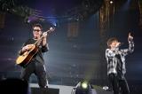 黒田俊介がギターを演奏する一幕も