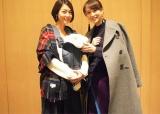 相武紗季&ベビーとの3ショットを公開した舞川あいく(右)(写真はオフィシャルブログより)