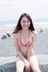 『FLASH』の「モグラ女子特集」に登場したみうらうみ(C)佐藤裕之
