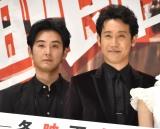 『探偵はBARにいる3』初日舞台あいさつに出席した(左から)松田龍平、大泉洋 (C)ORICON NewS inc.