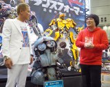 『東京コミックコンベンション2017(略称:東京コミコン2017)』のステージイベントに登壇した(左から)じゅんいちダビッドソン、岡崎体育 (C)ORICON NewS inc.
