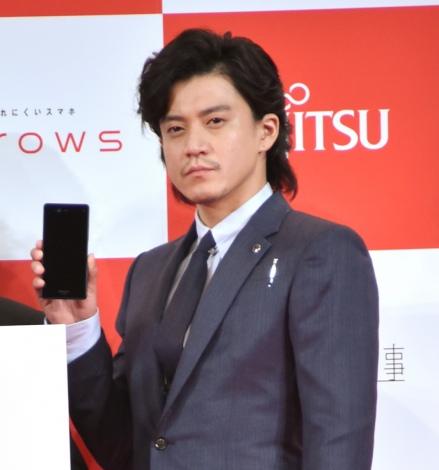『arrows新商品・新CM発表会』に出席した小栗旬 (C)ORICON NewS inc.