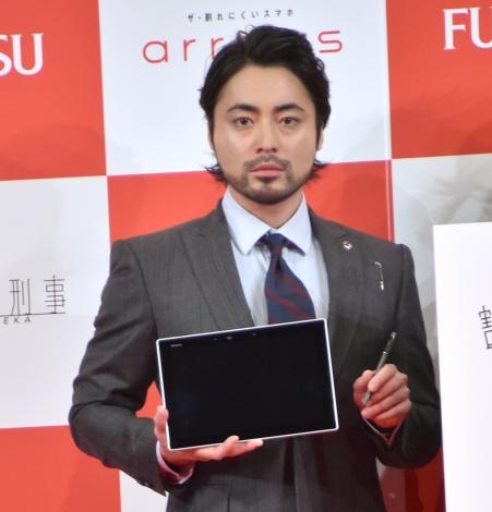 『arrows新商品・新CM発表会』に出席した山田孝之 (C)ORICON NewS inc.