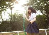 1st写真集『ここから』の裏表紙で青春の輝きを見せる欅坂46・長濱ねる(撮影/細居幸次郎)