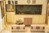 ハリネズミとドールハウスの様子(教室)
