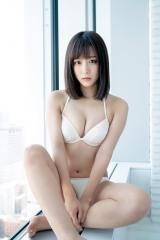 『週刊ヤングジャンプ』1号に登場するSKE48・鎌田菜月(C)HIROKAZU/集英社
