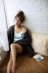 モデル堀田茜が2018年カレンダーを発売
