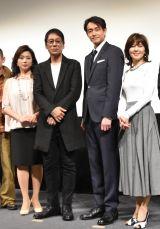 映画『グッバイエレジー』の完成披露試写会に出席した(左から)藤吉久美子、大杉漣、吉田栄作、石野真子 (C)ORICON NewS inc.