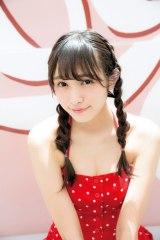 欅坂46・渡辺梨加の1stソロ写真集『饒舌な眼差し』が写真集ランキングで1位に(C)阿部ちづる/集英社