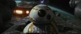 映画『スター・ウォーズ/最後のジェダイ』(公開中)映画動員ランキングで初登場1位を獲得。BB-8が覚醒!大活躍(C)2017 Lucasfilm Ltd. All Rights Reserved.