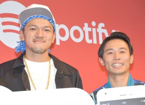 Spotify新TVCM発表会に出席したカミナリ(左から)竹内まなぶ、石田たくみ(C)ORICON NewS inc.