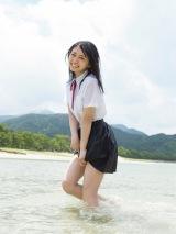 1st写真集『ここから』誌面カット(撮影/細居幸次郎)