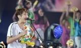 12月22日放送、テレビ朝日系『ミュージックステーションスーパーライブ2017』で観客全員とタンバリンパフォーマンスするぞ!(写真提供:テレビ朝日)