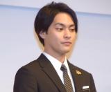 『第62回有馬記念(G1)』の公開枠順抽選会に参加した柳楽優弥 (C)ORICON NewS inc.