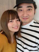 12月に結婚したジャングルポケット・斉藤慎二(右)と瀬戸サオリ(写真は瀬戸のブログより)