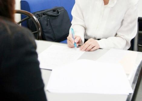 転職者をさまざまな面でサポートしてくれる転職エージェントについて紹介(写真はイメージ)