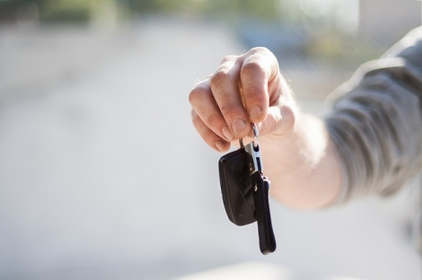 一時的に自動車を手放すなどを考えている人へ 自動車保険「中断証明書」について紹介(写真はイメージ)