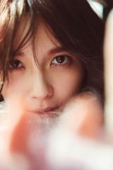 AAA宇野実彩子の写真集『about time』表紙カット(mu-mo版)撮影/倉本 GORI