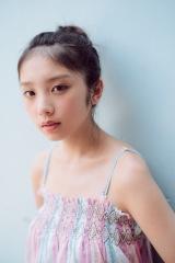 乃木坂46・与田祐希1st写真集『日向の温度』(撮影:前康輔)
