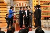 1月3日放送、テレビ朝日系『イッテンモノ M-1王者が緊急参戦!シャッフル漫才SP!!』ゲストは二階堂ふみ(C)テレビ朝日
