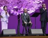 岸部一徳(右)とデュエット歌唱した吉永小百合(左) (C)ORICON NewS inc.