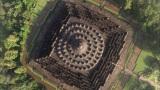 1月7日放送、TBS系『世界遺産』新春スペシャル「空から見る地球」より。インドネシアにある世界遺産『ボロブドゥール寺院』を上空から撮影(C)TBS