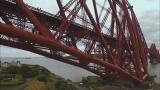 1月7日放送、TBS系『世界遺産』新春スペシャル「空から見る地球」より。イギリスの巨大なフォース鉄道橋(C)TBS