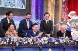 1月8日放送、テレビ朝日系『ファン1万人がガチで投票! プロ野球総選挙』野村克也氏(前列右)がゲスト出演(C)テレビ朝日