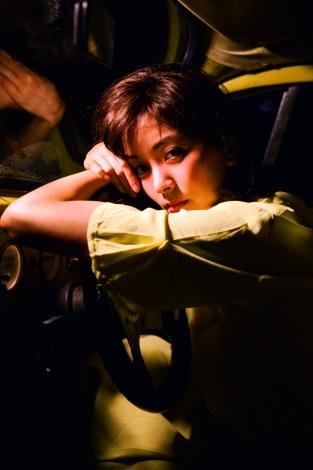 4作目となる写真集『Clarity』(光文社)を発売する石橋杏奈 (写真◎ND CHOW)