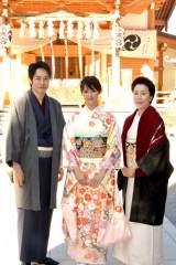 撮影安全祈願に出席した(左から)松山ケンイチ、深田恭子、高畑淳子 (C)ORICON NewS inc.