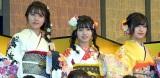 (左から)AKB48の舞木香純、高橋彩音、佐藤栞=AKB48グループ成人式記念撮影会 (C)ORICON NewS inc.