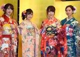 (左から)HKT48の植木南央、本村碧唯、宮脇咲良、森保まどか=AKB48グループ成人式記念撮影会 (C)ORICON NewS inc.