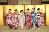 HKT48の新成人(左から)神志那結衣、植木南央、本村碧唯、宮脇咲良、森保まどか、熊沢世莉奈(C)AKS