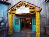 東京ディズニーシーで「ピクサー・プレイタイム」がスタート(3月19日まで)メキシコ料理レストラン「ミゲルズ・エルドラド・キャンティーナ」の入り口(C)ORICON NewS inc.