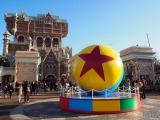 東京ディズニーシーで「ピクサー・プレイタイム」がスタート(3月19日まで)ウォーターフロントパークのデコレーション