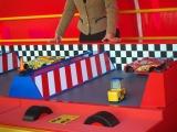 東京ディズニーシーで「ピクサー・プレイタイム」がスタート(3月19日まで)ウォーターフロントパークにある『カーズ』がテーマのゲームブース。タイヤ交換を手伝うゲーム (C)ORICON NewS inc.