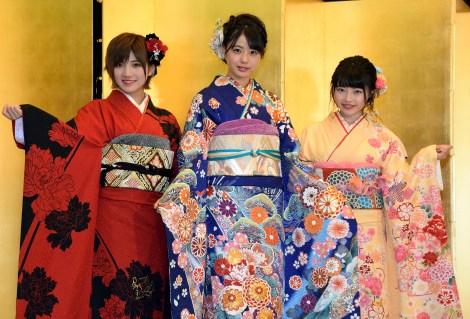 STU48がAKB48グループ成人式に初参加(左から)岡田奈々、瀧野由美子、森香穂 (C)ORICON NewS inc.