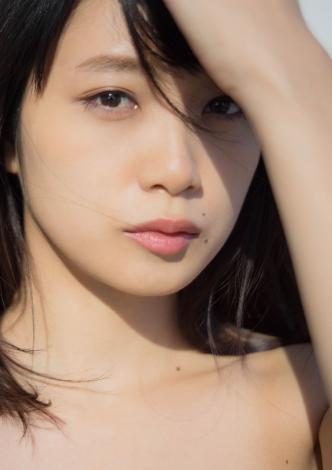 サムネイル 初のフォトマガジン『MY magazine』を発売する深川麻衣