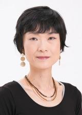 第158回芥川龍之介賞を受賞した石井遊佳氏 (C)新潮社写真部