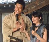 大河ドラマ主演バトンタッチセレモニーに出席した(左から)鈴木亮平、柴咲コウ (C)ORICON NewS inc.