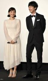 映画『今夜、ロマンス劇場で』ジャパンプレミアに出席した(左から)綾瀬はるか、坂口健太郎 (C)ORICON NewS inc.