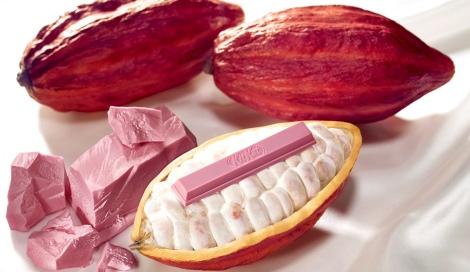 サムネイル 「ルビーカカオ」から作られた天然ピンク色の『キットカット ショコラトリー サブリム ルビー』