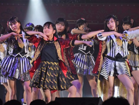 NMB48×たこやきレインボー=「第7回AKB48紅白対抗歌合戦」の模様 (C)ORICON NewS inc.