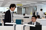 TBS日曜劇場『99.9−刑事専門弁護士− SEASONII』第3話に出演する甲本雅裕、松尾諭 (C)TBS