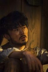 NHK大河ドラマ『西郷どん』第5回(2月4日放送)・第6回(2月11日放送)に謎の漂流者として劇団ひとりがゲスト出演(C)NHK