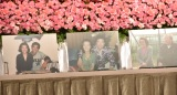 洋服や思い出の写真などが飾られた野村沙知代さんの祭壇 (C)ORICON NewS inc.