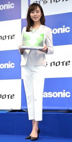 パナソニック『モバイルPC レッツノート』の新製品発表会に出席した比嘉愛未(C)ORICON NewS inc.